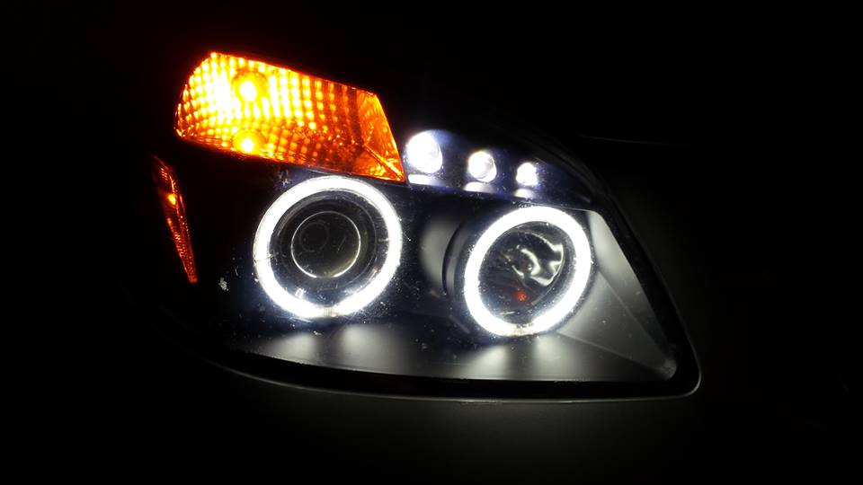 Projector Headlights with HIDs-10711433_10154668543135594_318821866_n.jpg